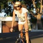 Vedete chic pe bicicleta