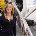 Hillary Swank a invatat sa zboare