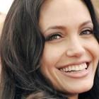 Angelina Jolie – trup perfect, ursi panda si bebelusi