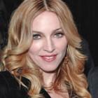 Madonna a apelat la facelifting