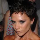 Victoria Beckham s-a tuns