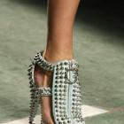Weird Fashion: pantofi Givenchy
