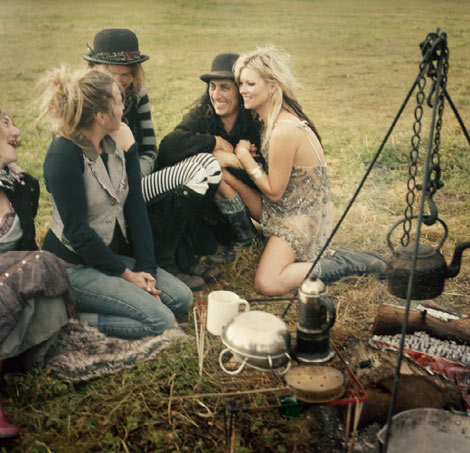 kate-moss-the-gypsies-v-61-meal