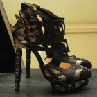 Weird fashion: pantofi Nicholas Kirkwood
