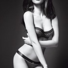 Megan Fox pentru Emporio Armani Underwear