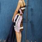 Lectia de lucru manual: rochia din esarfe