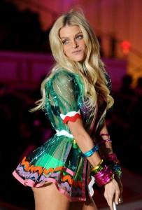 jessica-stam-victorias-secret-fashion-show-2010-1