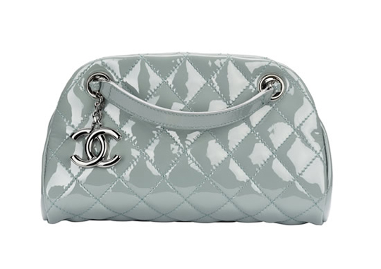 Модные сумки и клатчи Chanel -лето 2011 на фотографиях.